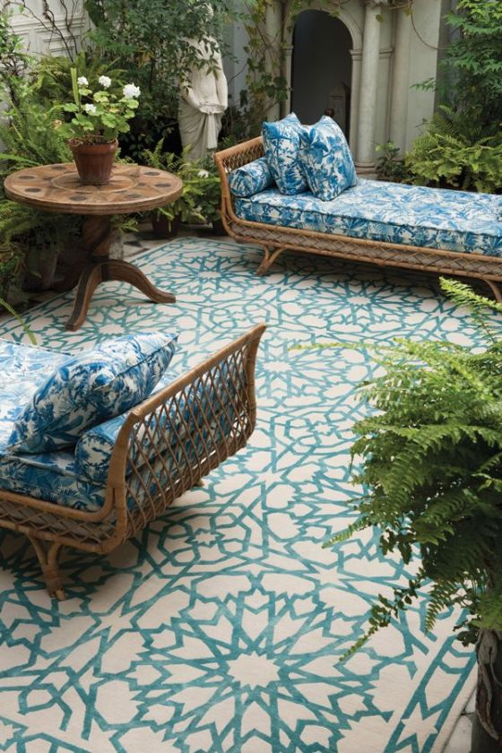 See how a rug can give so much style! Moroccan ambience to your patio. Mamounia sky for The Rug Company