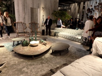 Living room at Baxter. I loved the coffee tables synthesis with the aligators ceramics!