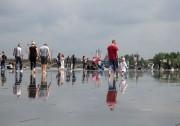 People walking on the Miroir d'eau